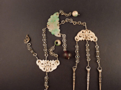 Chinese chatelaine